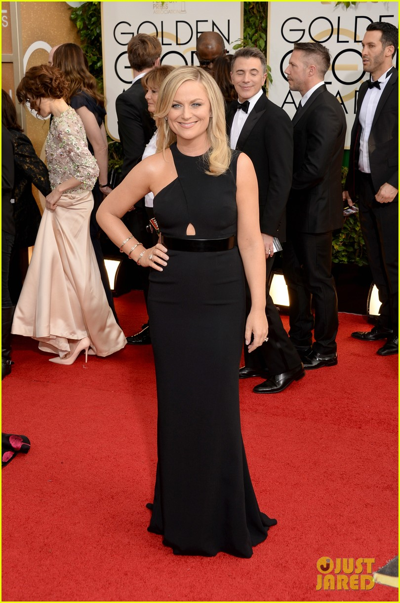 amy poehler tina fey golden globes 2014 red carpet 07