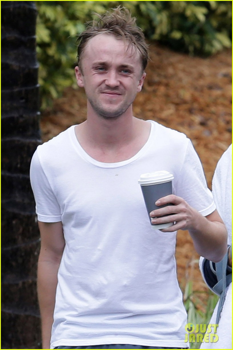 tom felton jade olivia rainy day dog walk 03