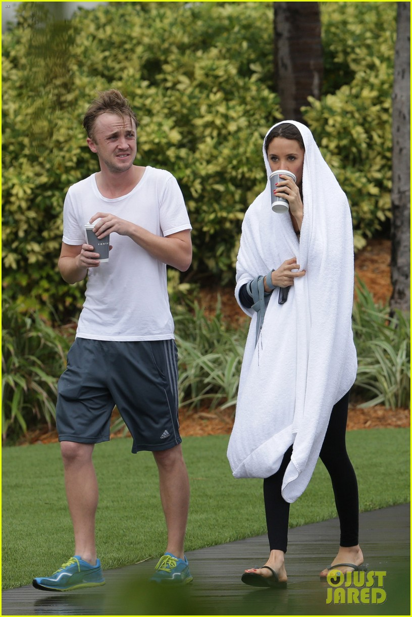 tom felton jade olivia rainy day dog walk 14