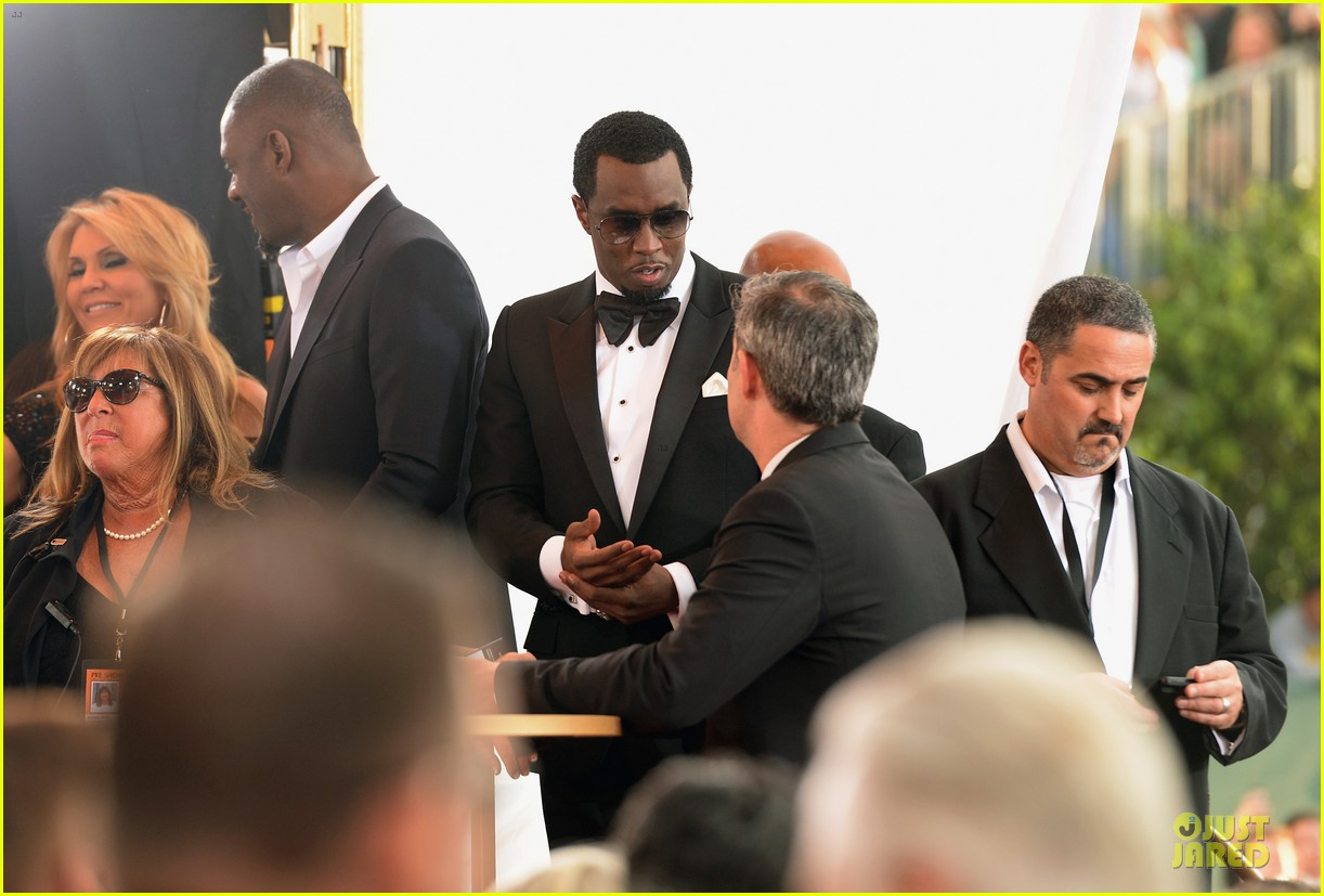 usher sean combs golden globes 2014 presenters 123029754