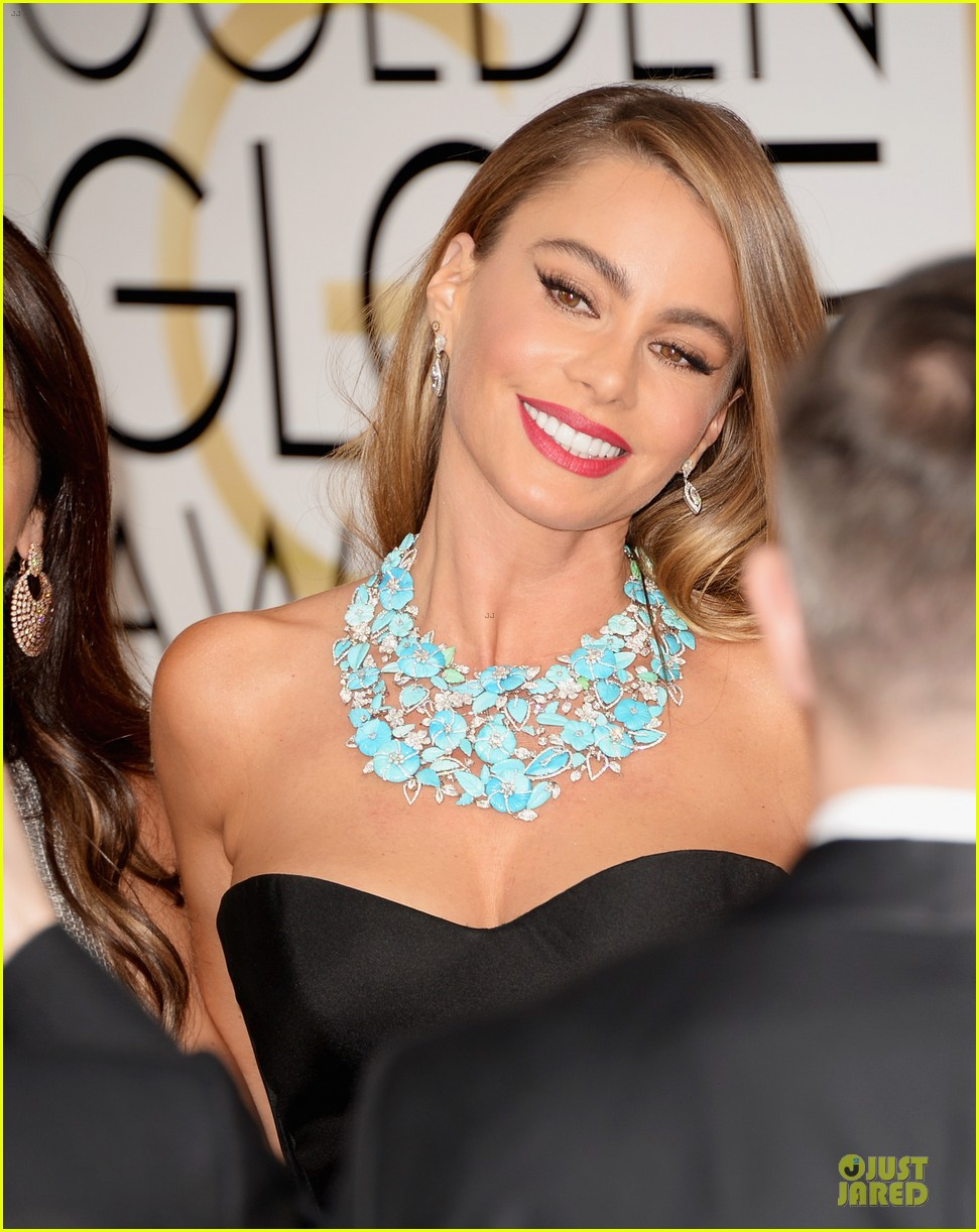 sofia vergara golden globes 2014 red carpet 04
