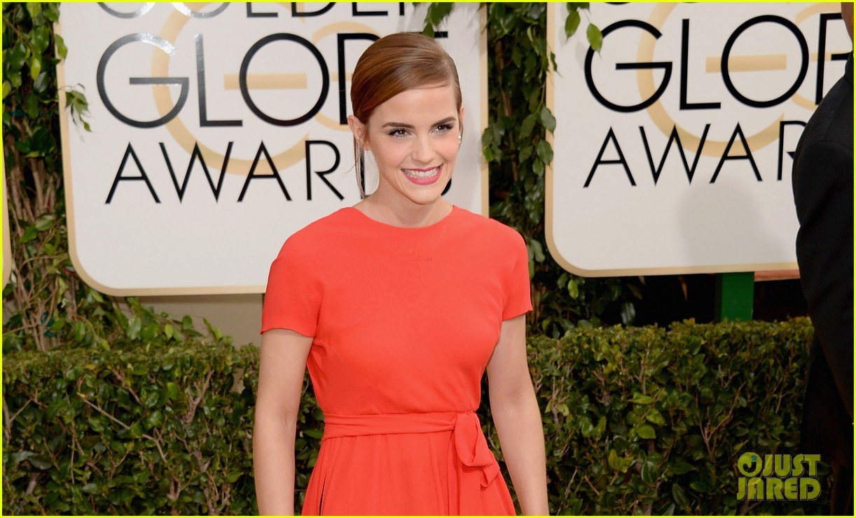 emma watson golden globes 2014 red carpet 05