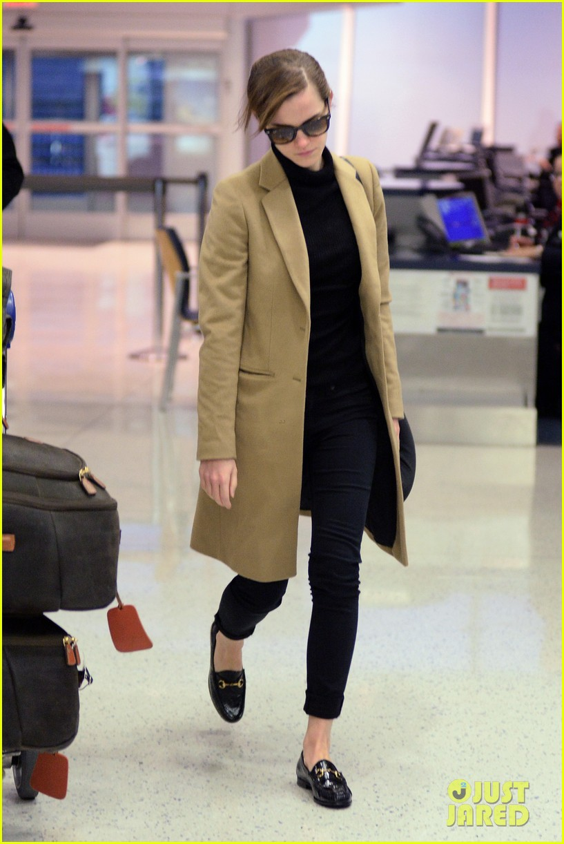 emma watson leaves new york city after quick trip 10