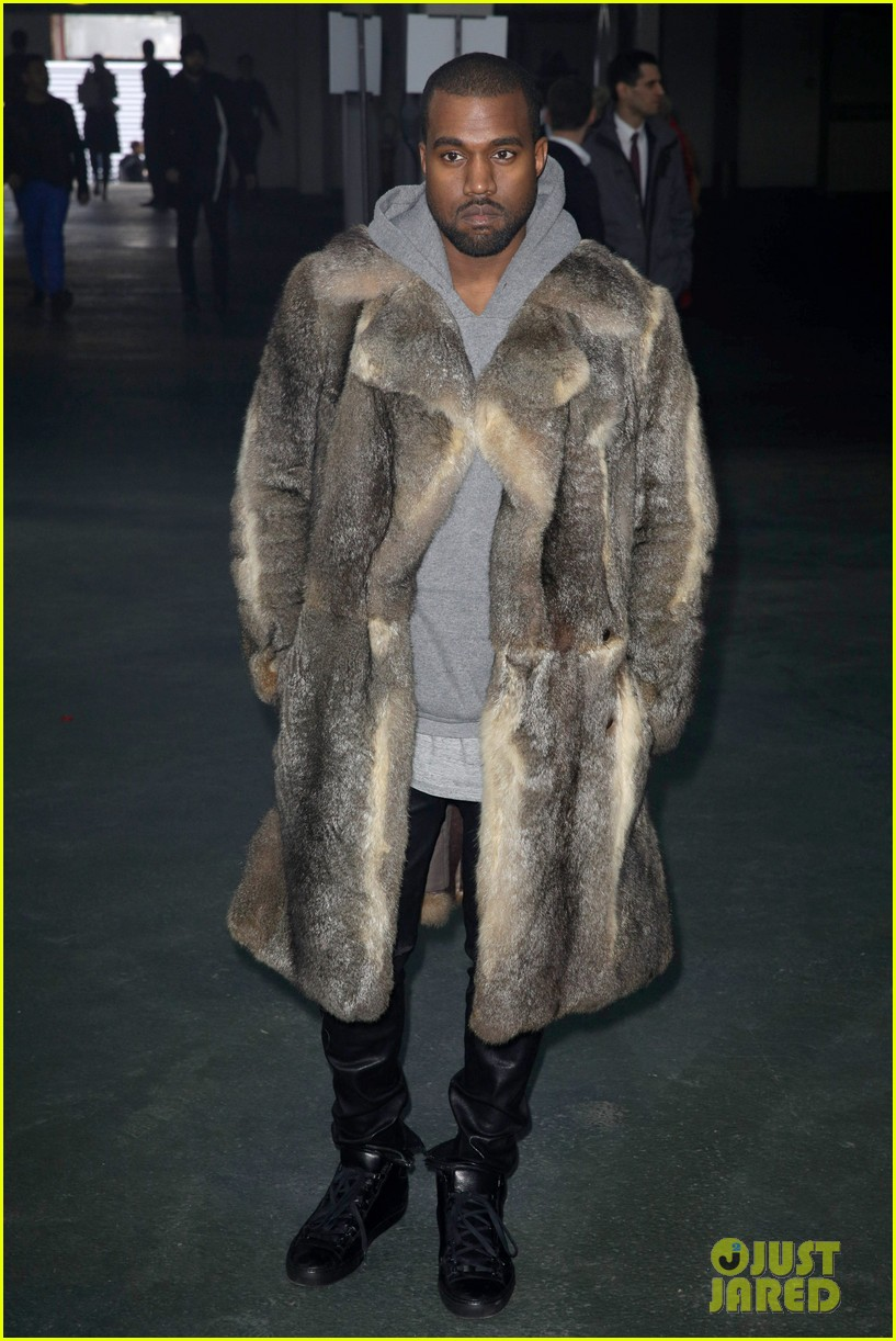 kanye west noomi rapace givenchy fashion show 013033625