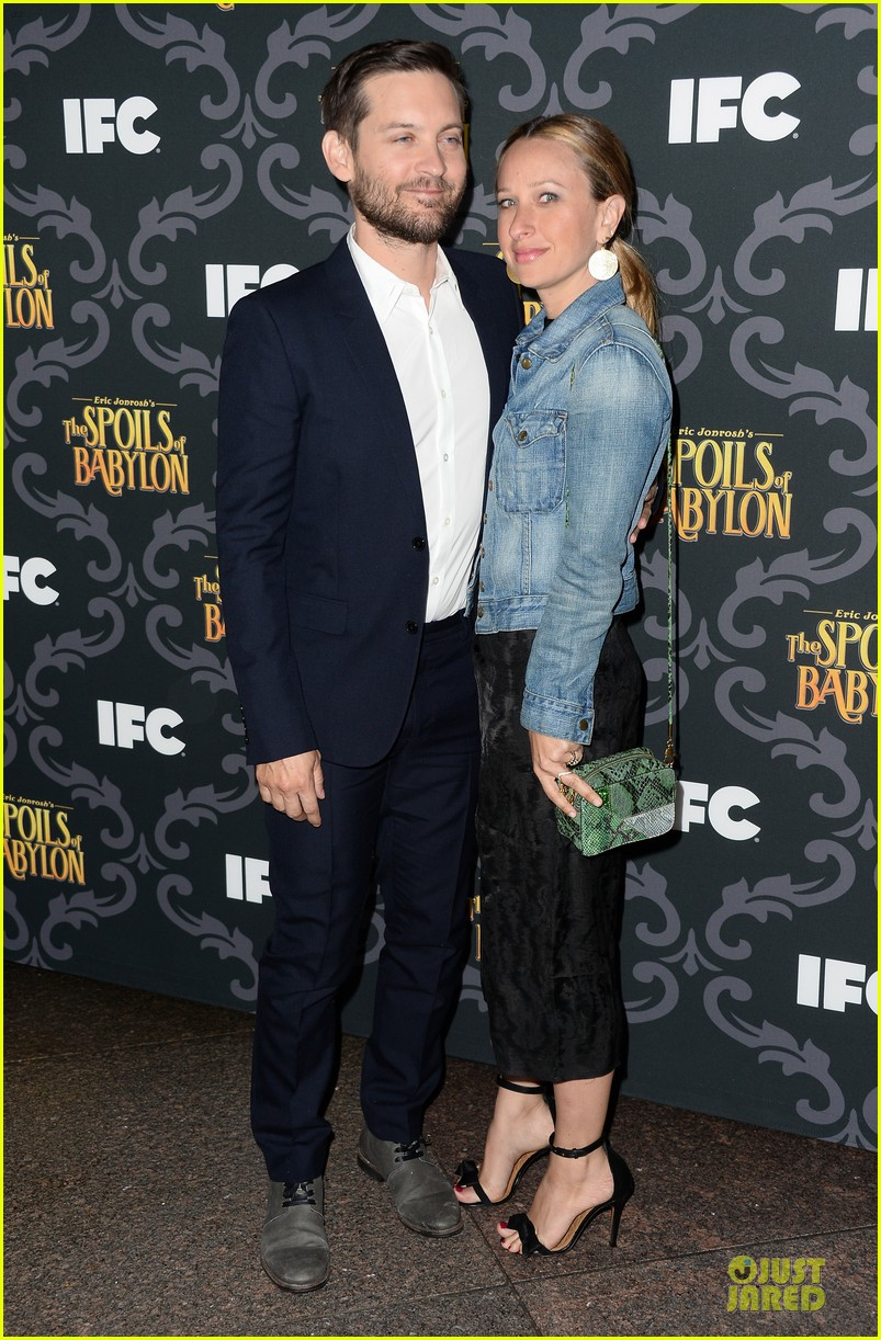 kristen wiig tobey maguire spoils of babylon dga screening 19