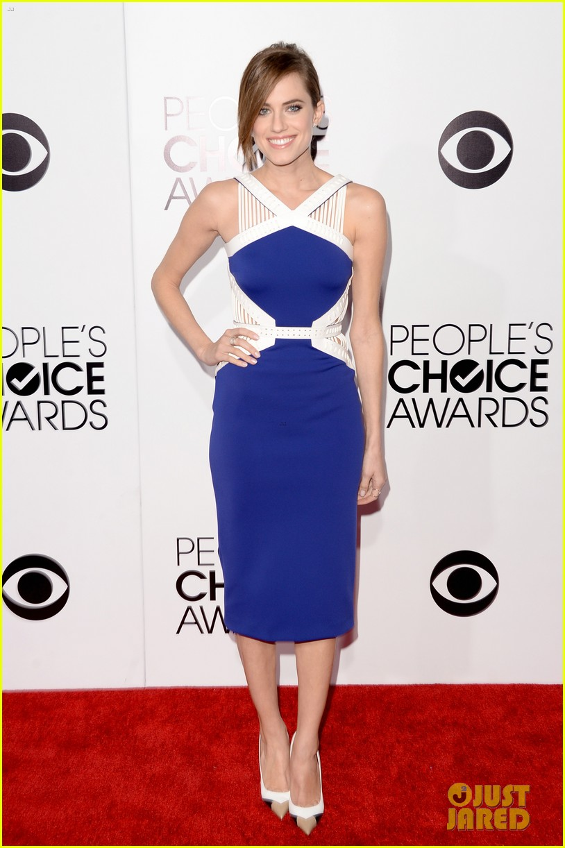 allison williams peoples choice awards 2014 red carpet 053025516