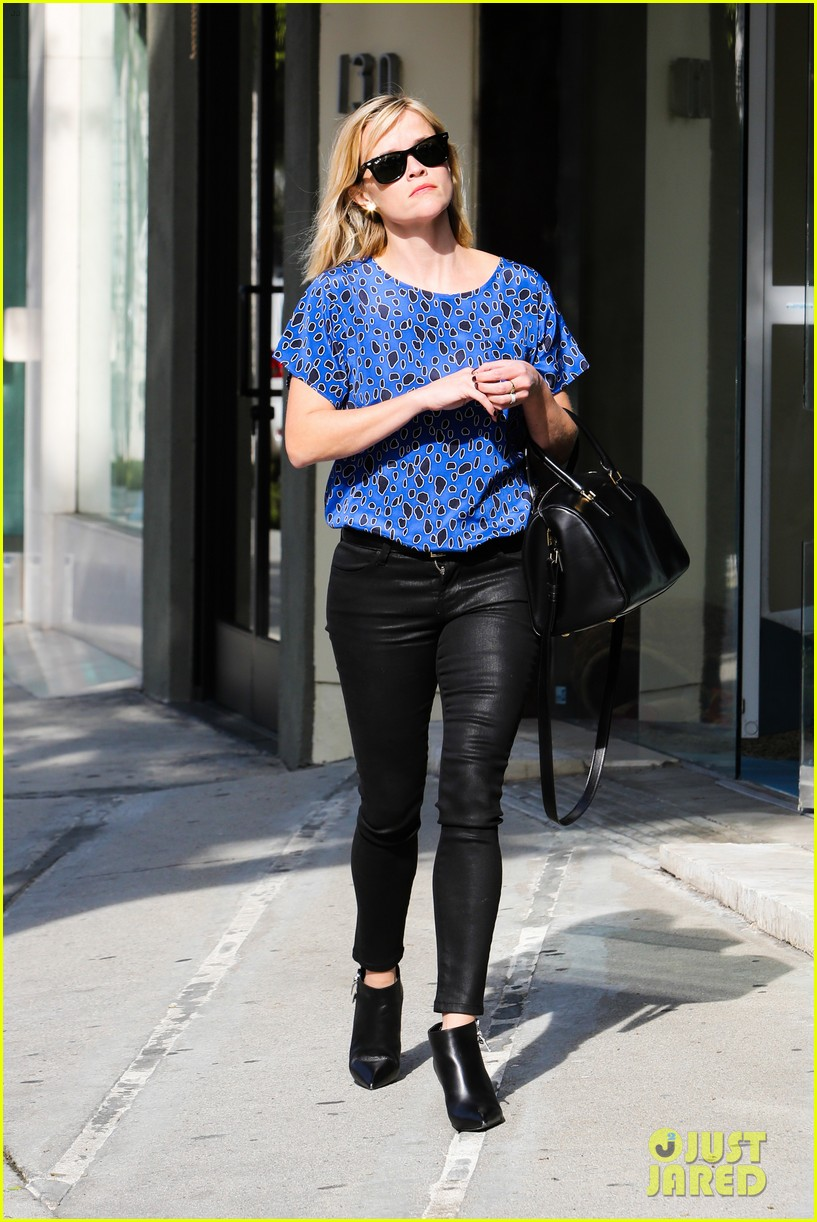 reese witherspoon keeps busy with shopping meetings 253038851