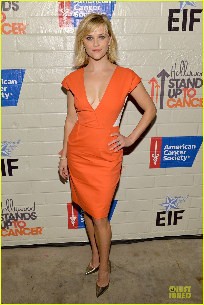 reese witherspoon hostess with the mostess for stand up to cancer 05