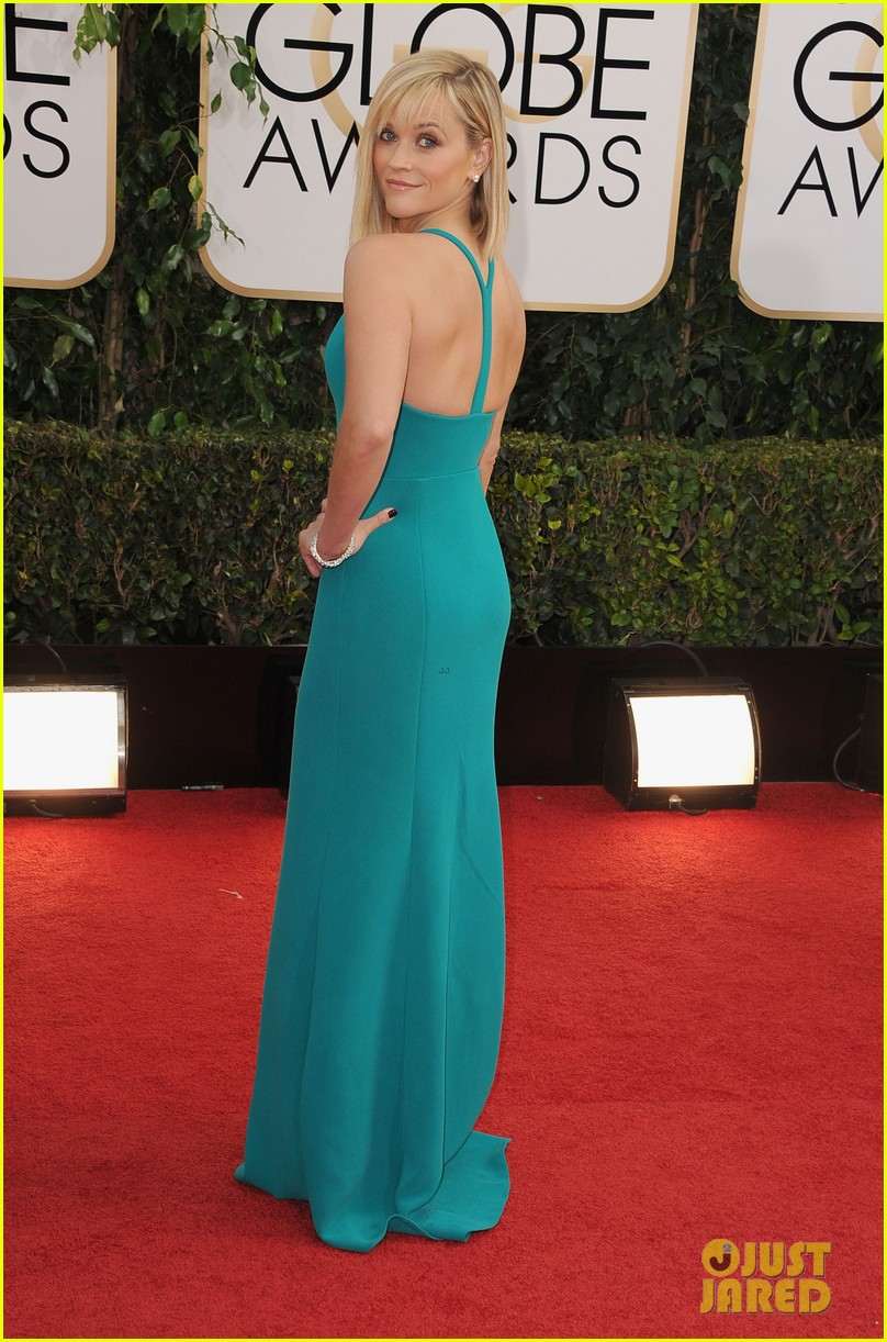 reese witherspoon golden globes 2014 red carpet 02