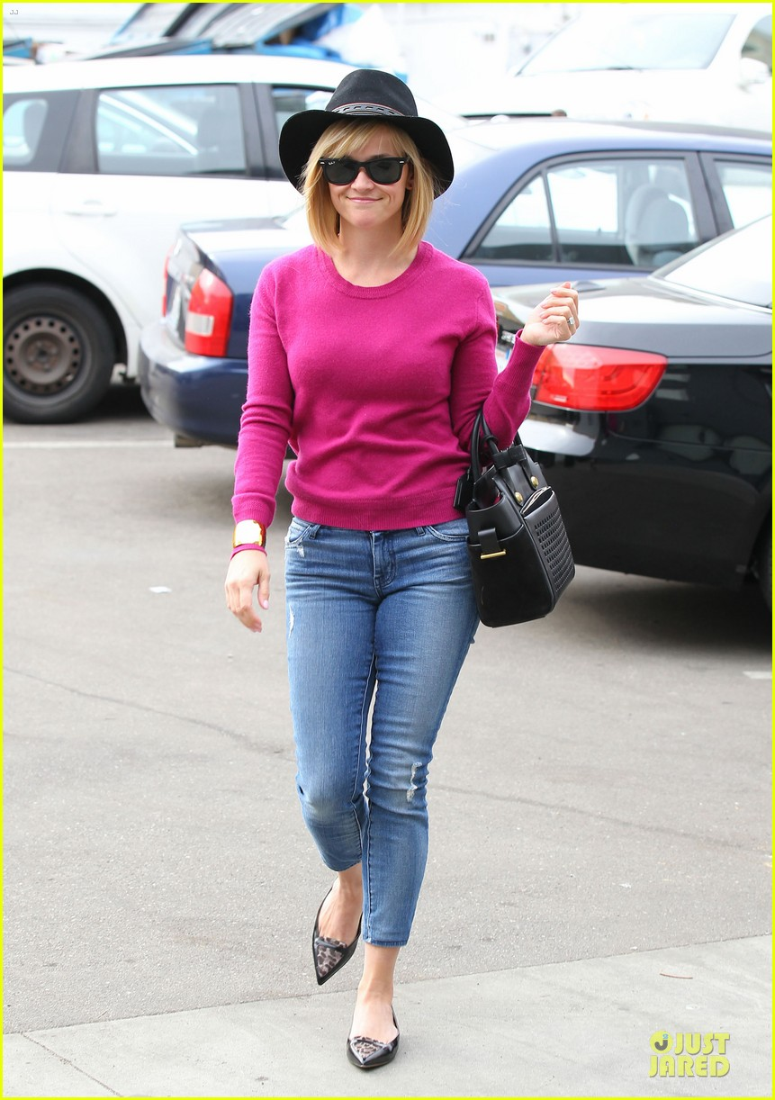 reese witherspoon lax arrival after justin bartha wedding 213024789