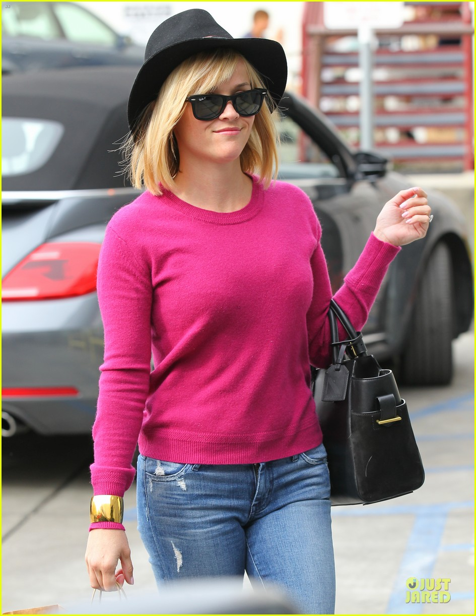 reese witherspoon lax arrival after justin bartha wedding 27