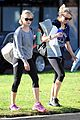 reese witherspoon naomi watts yoga workout buddies 01