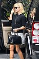 reese witherspoon pampering session after morning workout 11