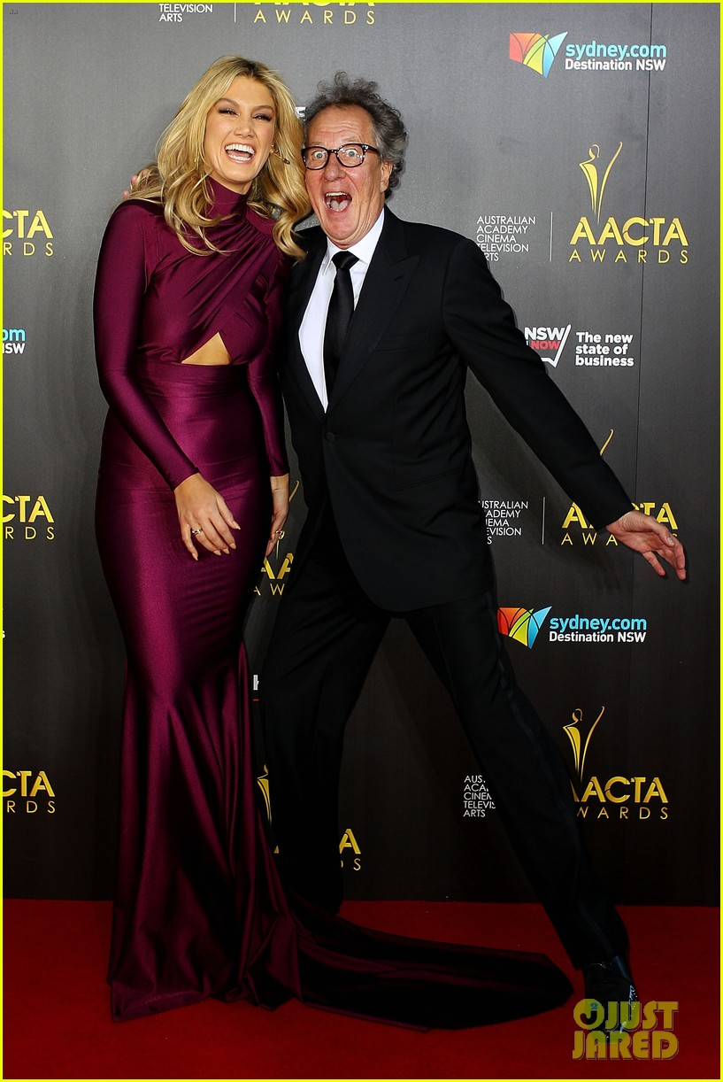 sam worthington lara bingle aacta awards ceremony 2014 05