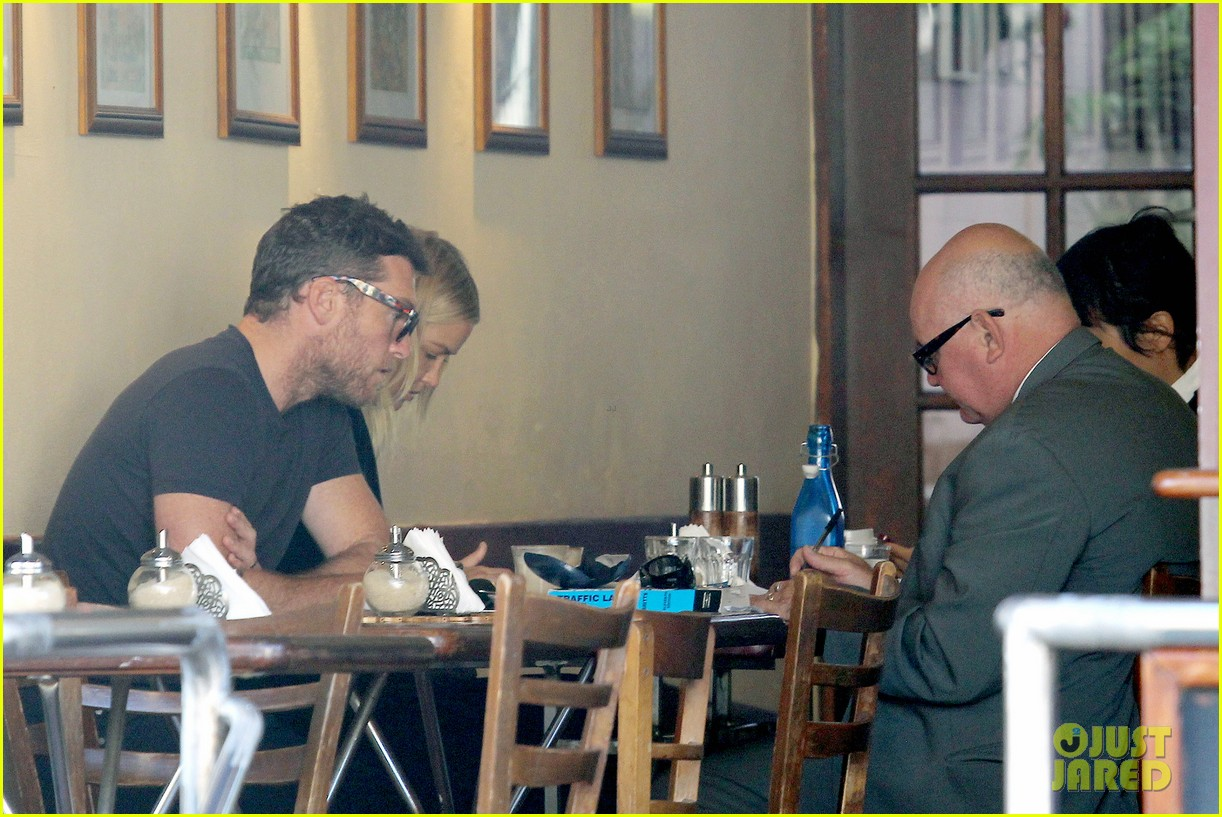 sam worthington lara bingle lunch before her court appearance 09