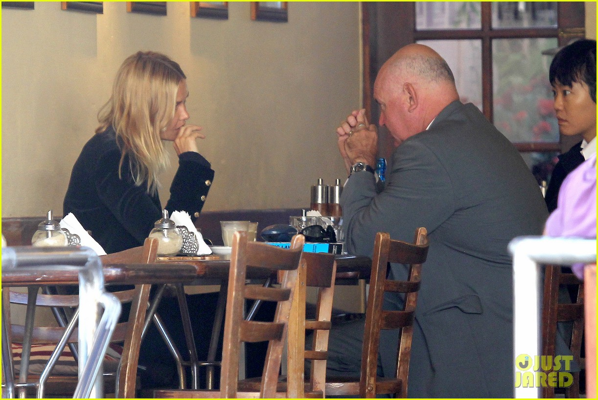 sam worthington lara bingle lunch before her court appearance 10