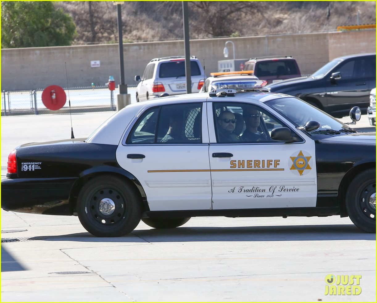 lil za arrested after justin biebers house raided photos 06