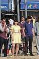 zooey deschanel new girl beach scenes with the cast 03