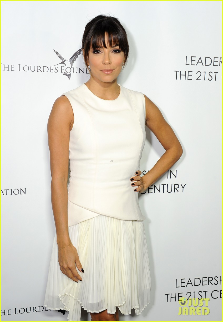 malin akerman eva longoria chic ladies at dalai lama event 10