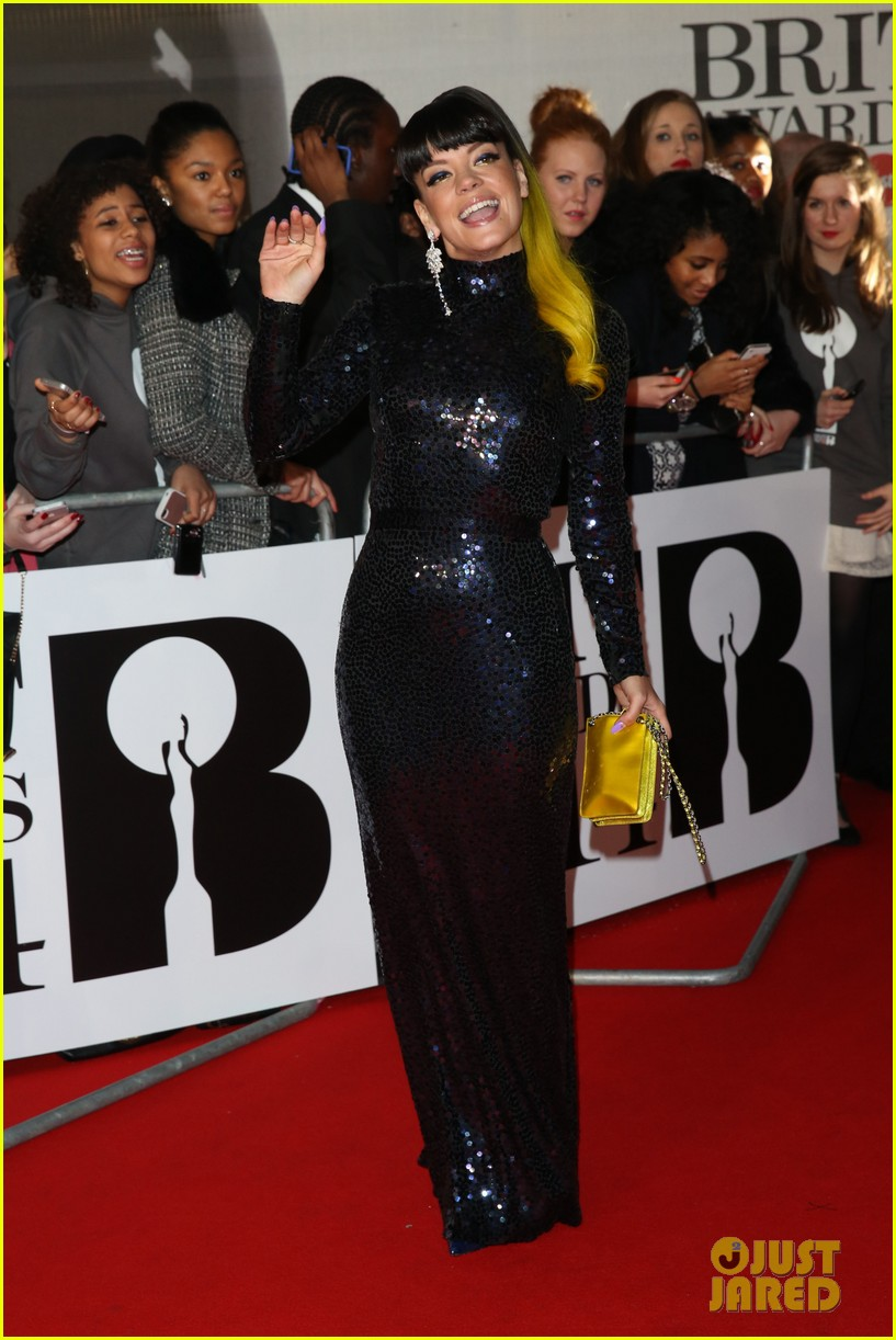 lily allen jessie j brit awards 2014 red carpet 06