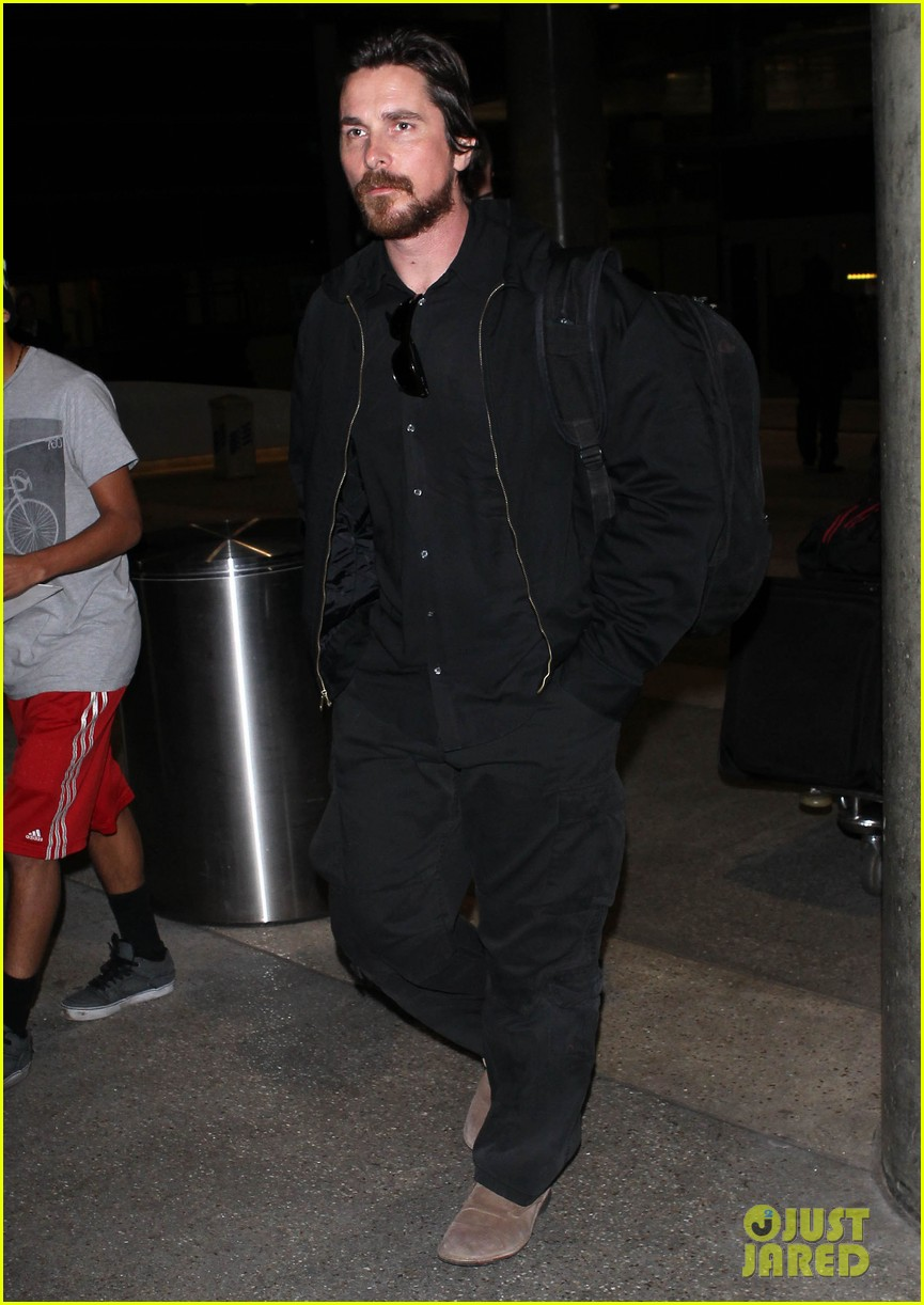 christian bale back from berlin with family in tow 04
