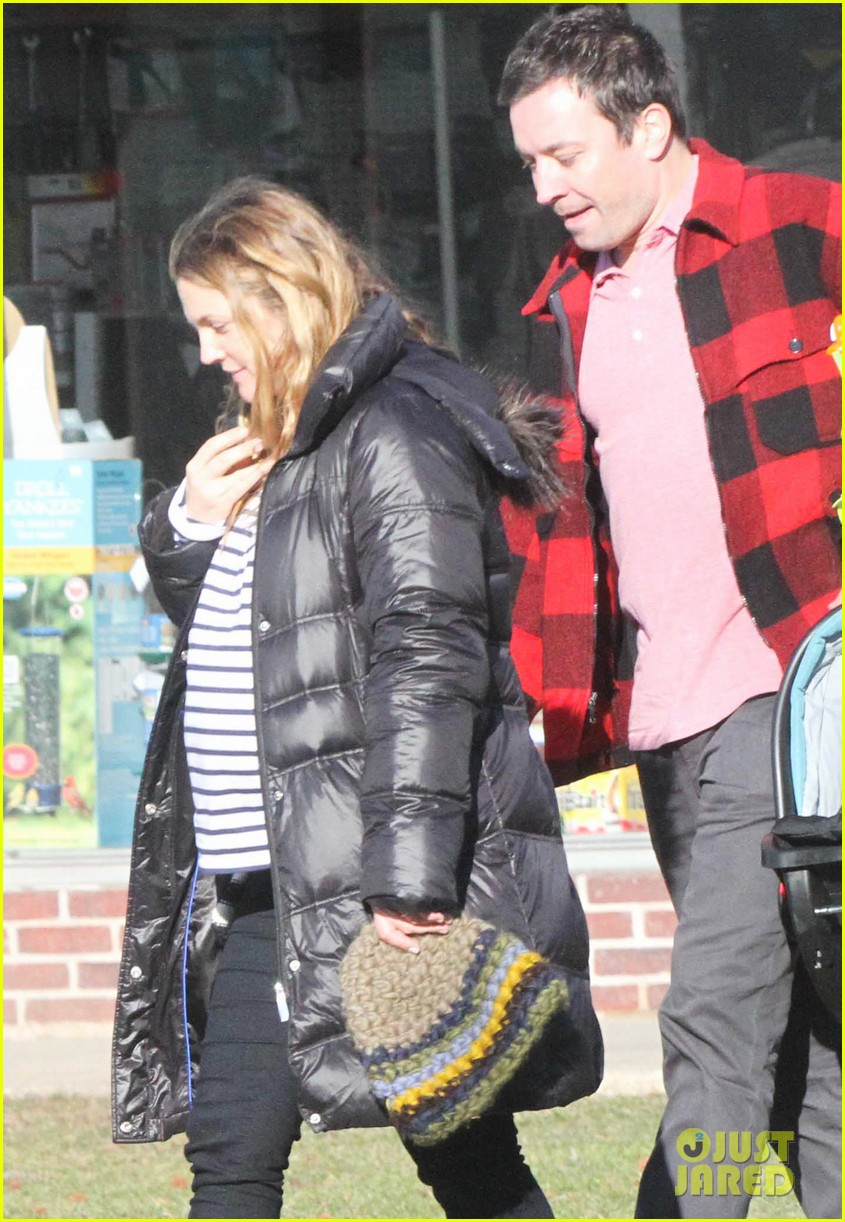 drew barrymore jimmy fallon celebrate her 39th birthday in the hamptons 02
