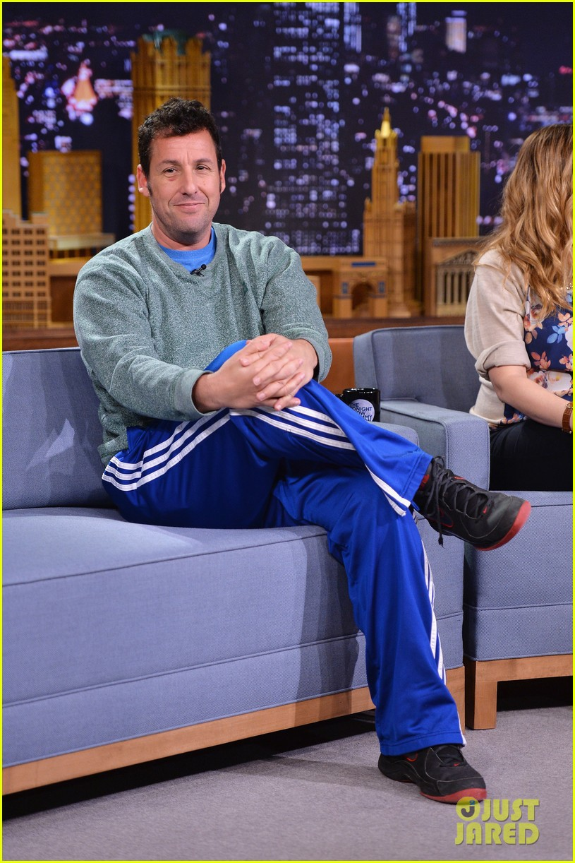 adam sandler sings to pregnant drew barrymore on fallon 013061296