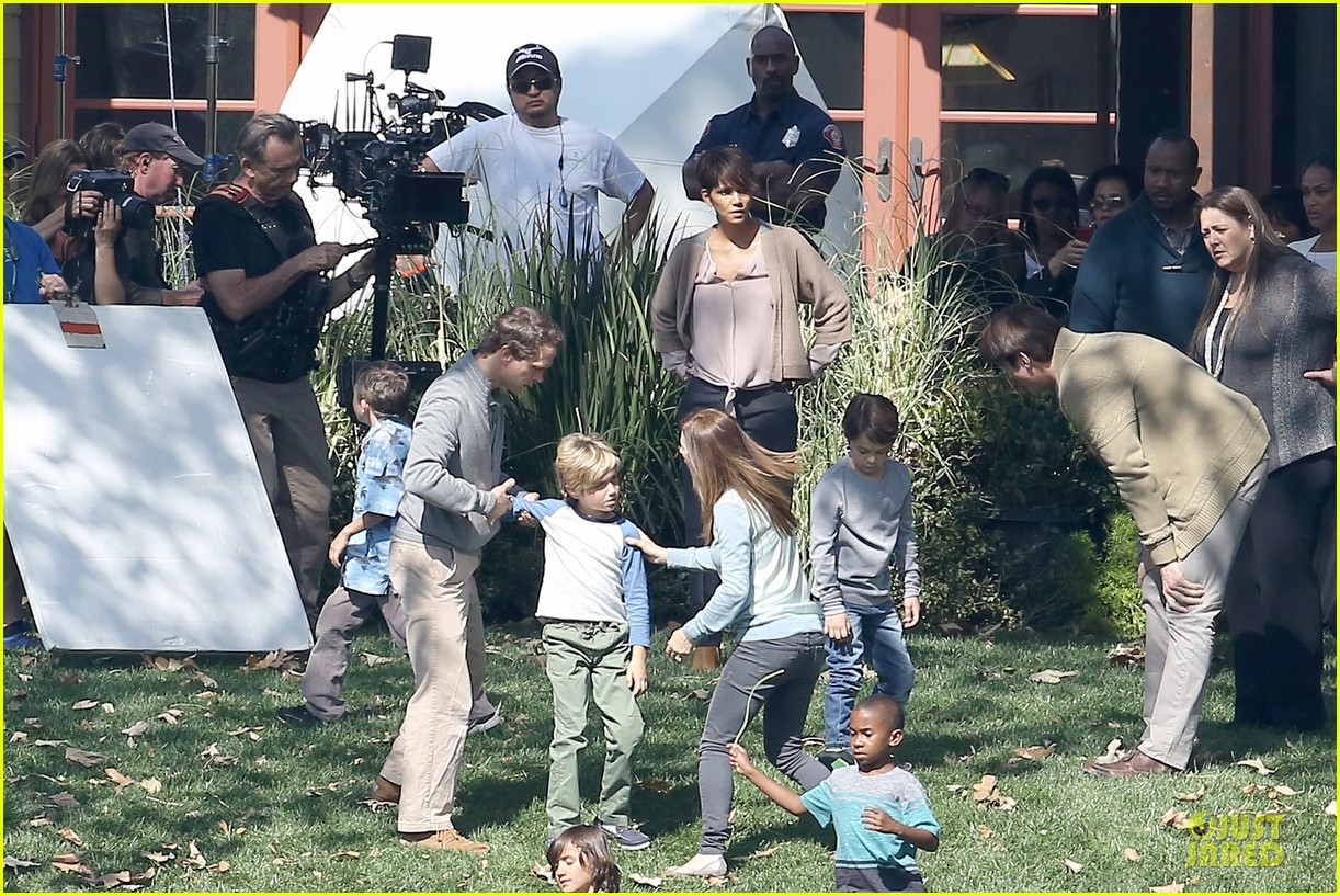 halle berry spends valentines day filming extant with goran visnjic 19