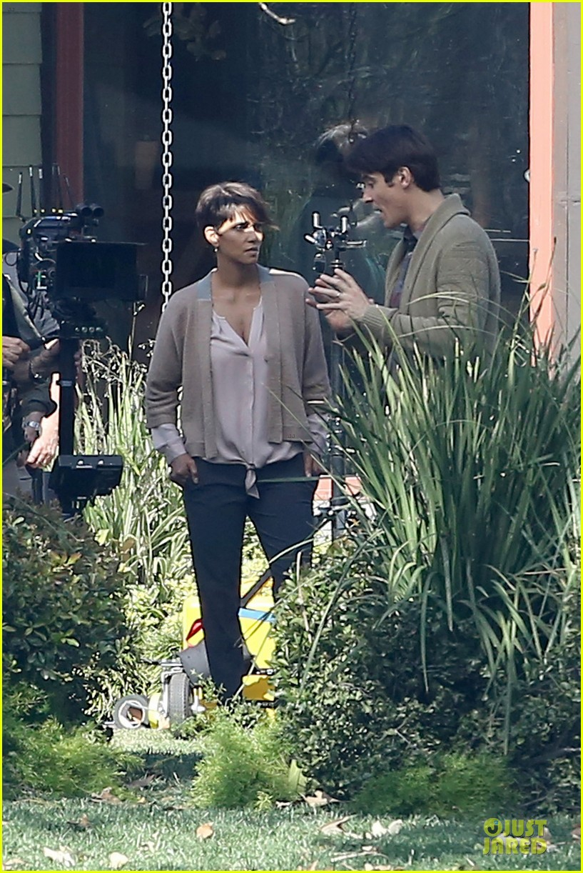 halle berry spends valentines day filming extant with goran visnjic 233053744