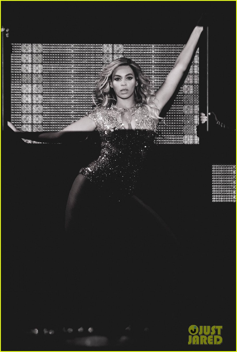 beyonce performed yonce live our week has officially been made watch now 19