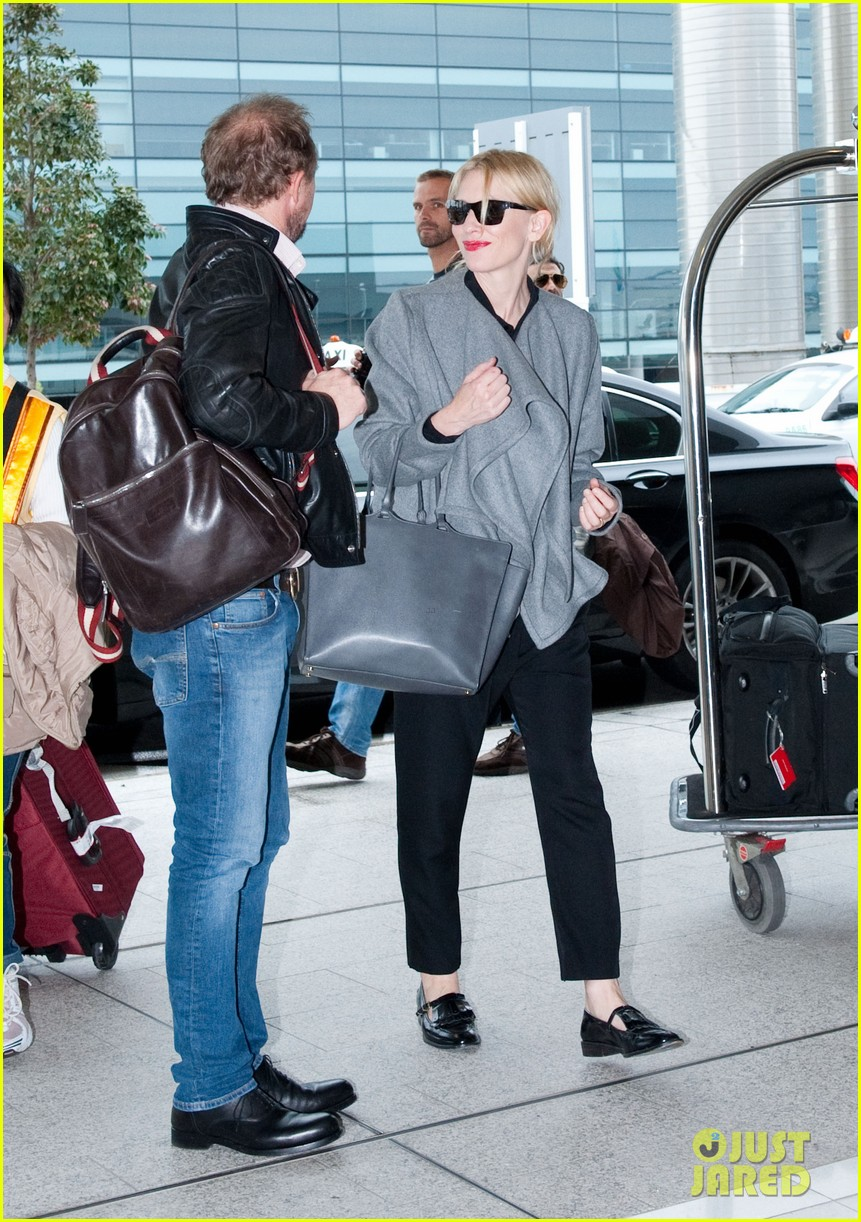 cate blanchett flies out of sydney en route to the oscars 2014 05