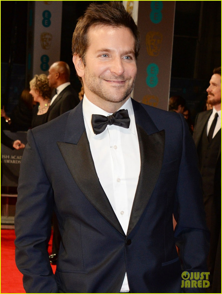 bradley cooper baftas 2014 red carpet 053054592