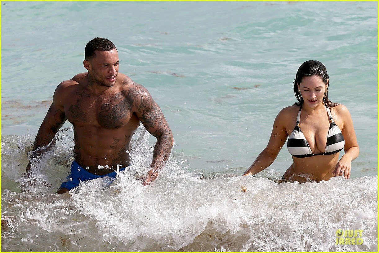 kelly brook frolicks on the beach with boyfriend david mcintosh 153047545