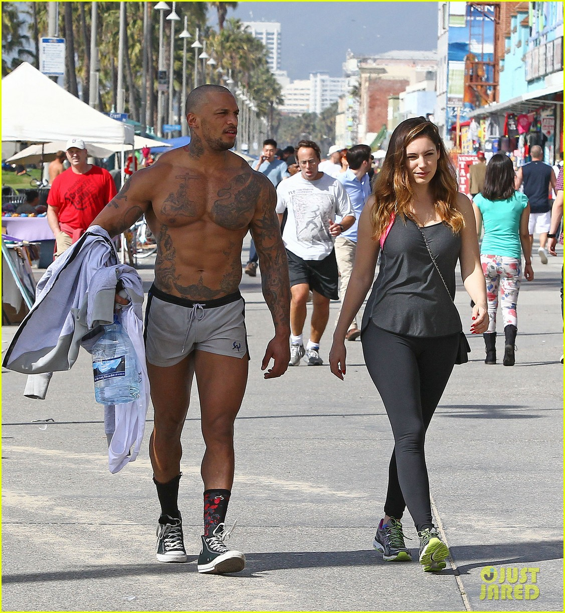 kelly brooks boyfriend leaves little to the imagination in tight short shorts 113052622