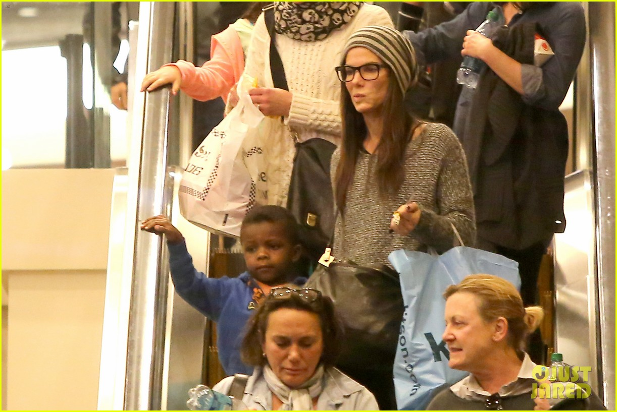 sandra bullock takes louis to see the lego movie 07