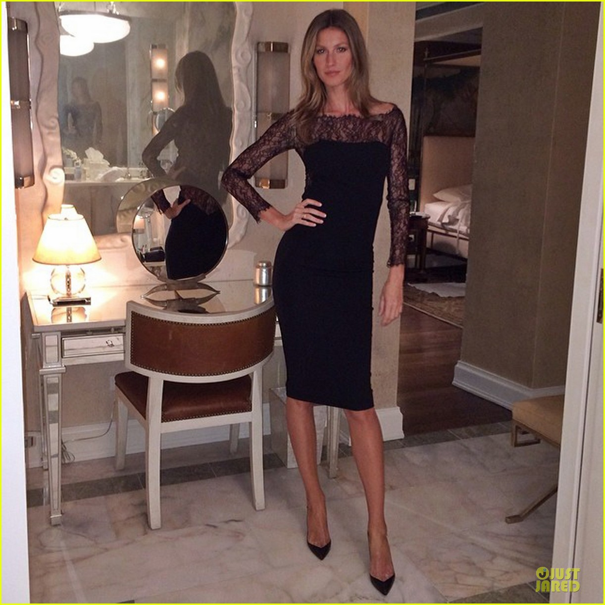 gisele bundchen helps launch carolina herrera fragrance 05