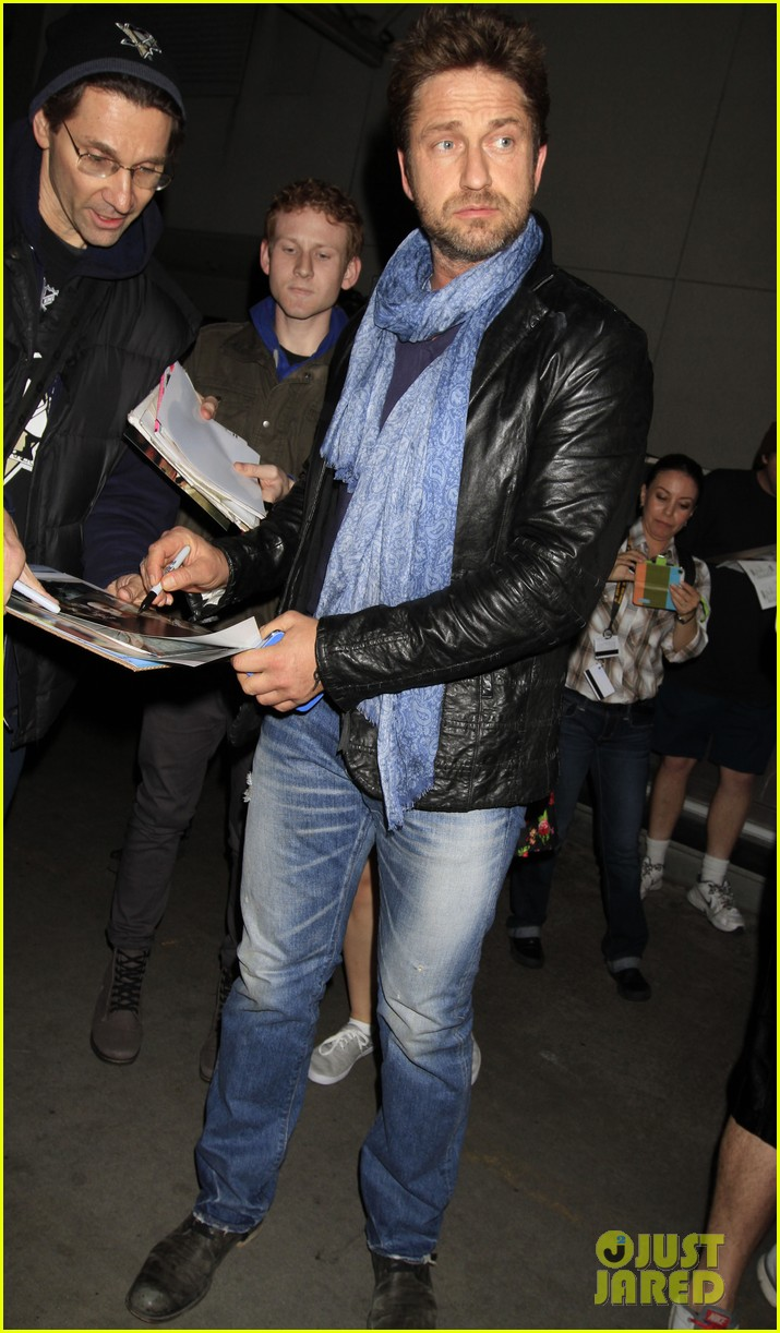 gerard butler from nyc to lax 03