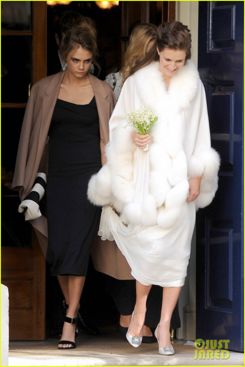 cara delevingne celebrates sister chloes wonderful wedding day 06