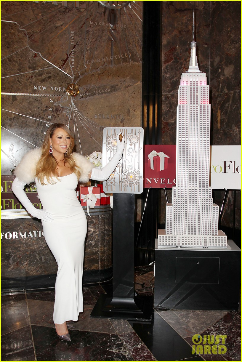 mariah carey lights empire state building for valentines day wedding event 09