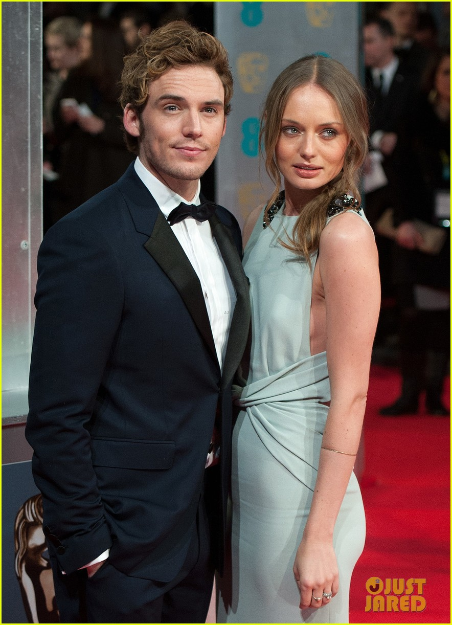 sam claflin baftas 2014 red carpet 02