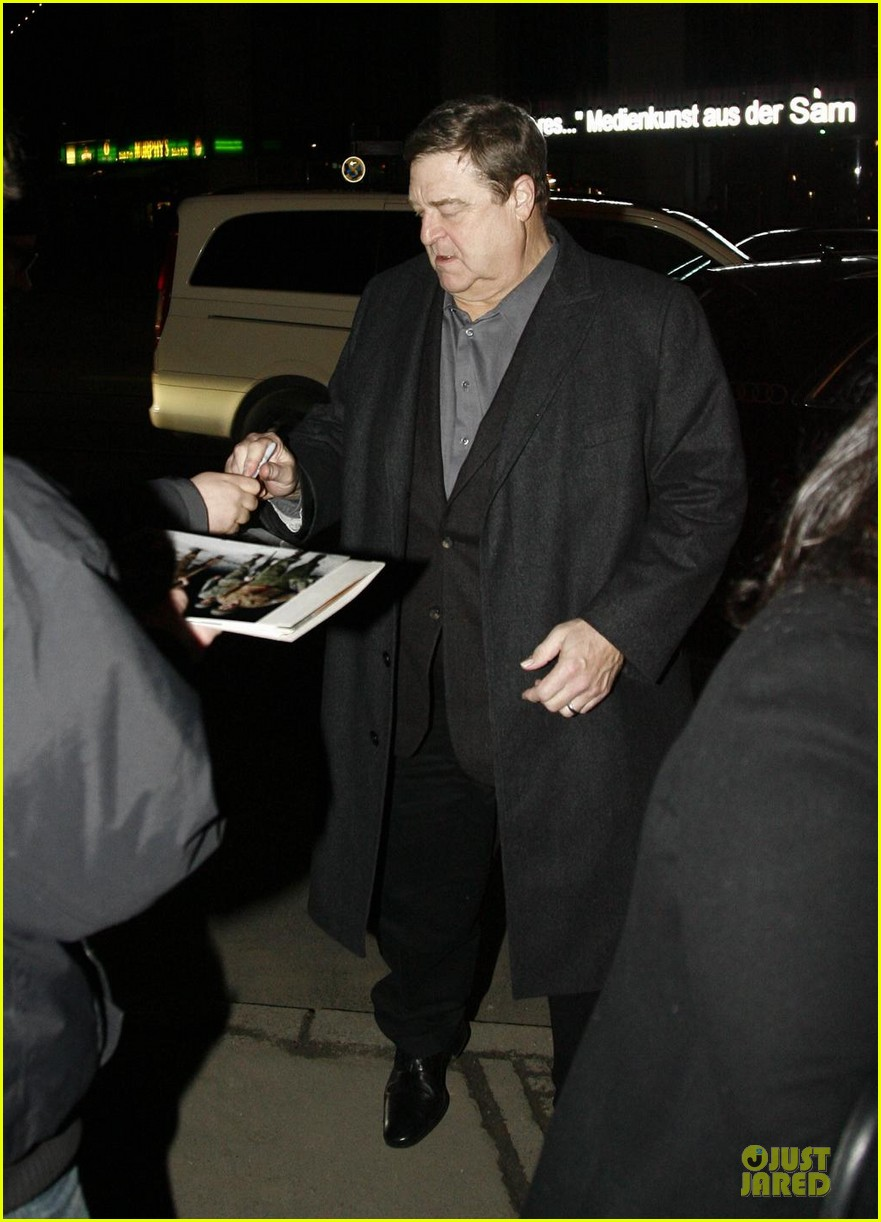 george clooney matt damon monuments men cast dinner before berlin film festival 083049388