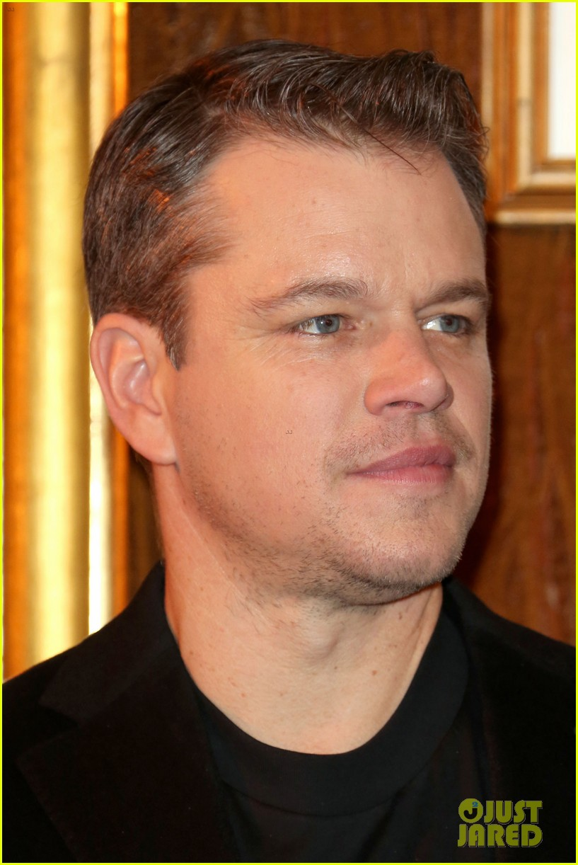 george clooney matt damon bring monuments to paris 243052417