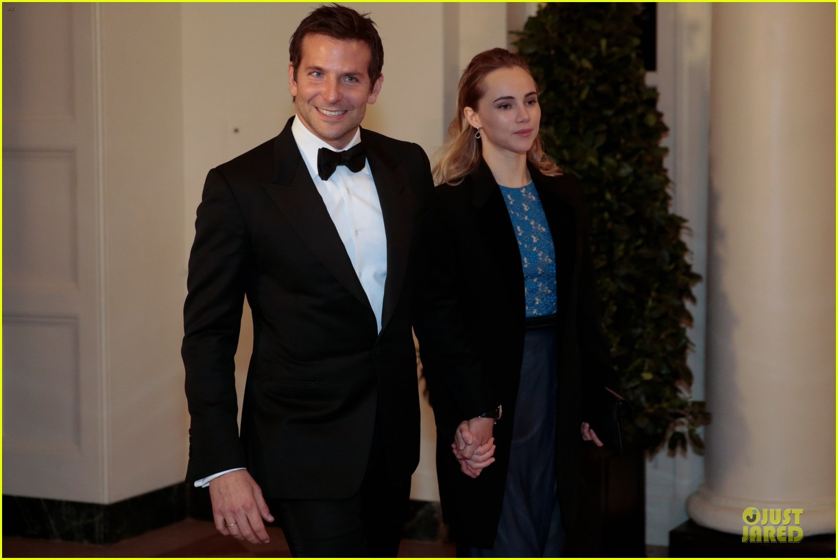 bradley cooper suki waterhouse hold hands at white house dinner 05