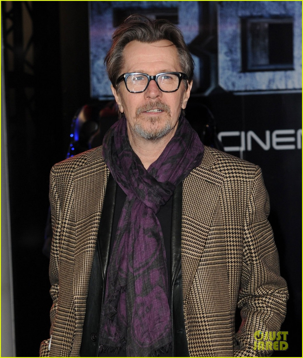 abbie cornish gary oldman robocop uk premiere 063048124