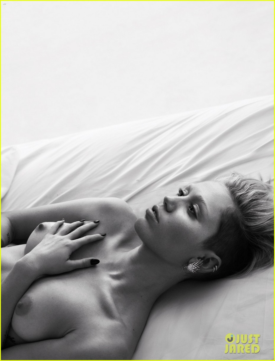 miley cyrus goes topless in bed for w magazine portfolio 03