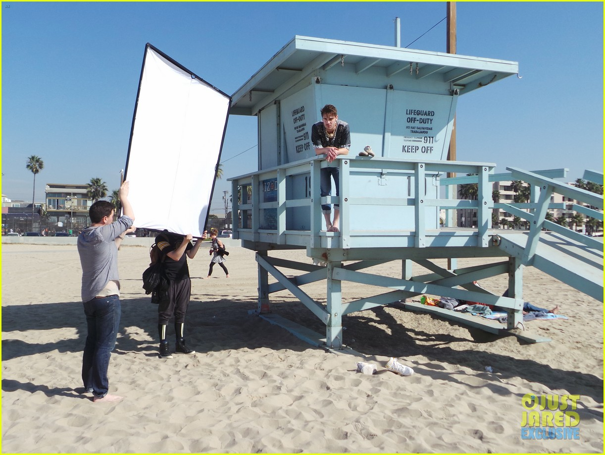 grey damon jj spotlight of the week behind the scenes pics 063047460