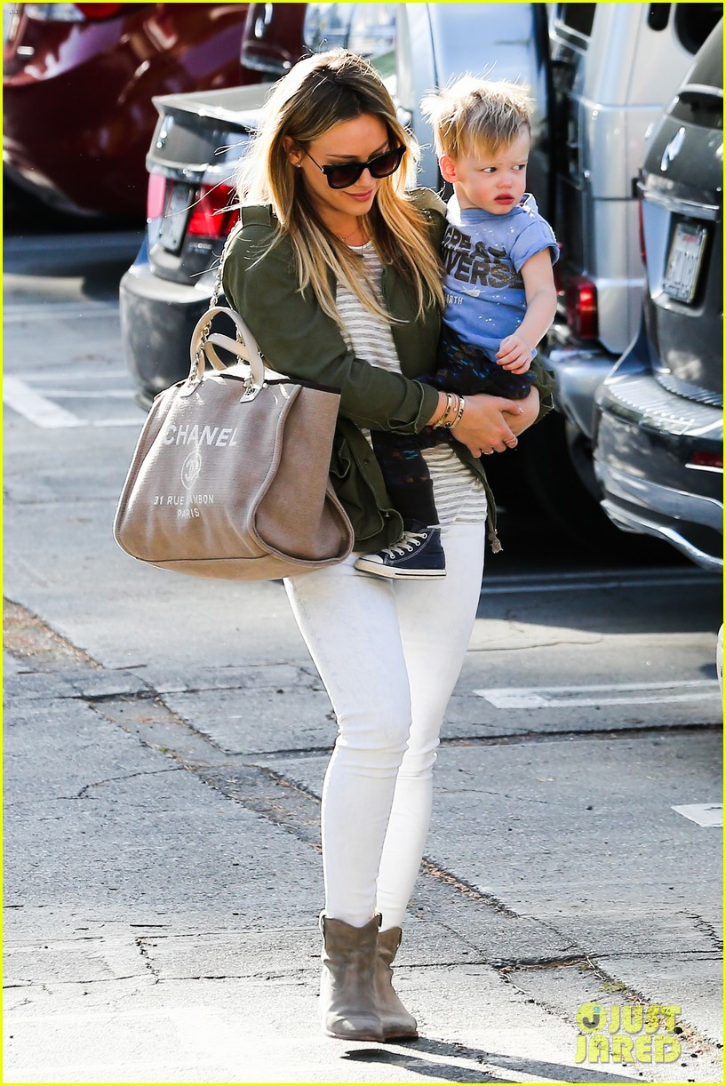 hilary duff beverly hills shopper with son luca 13