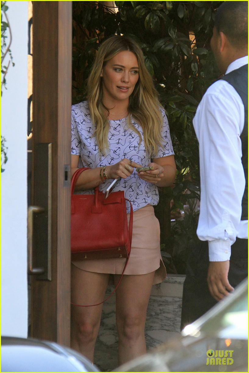 hilary duff groping allowed at cecconis 09