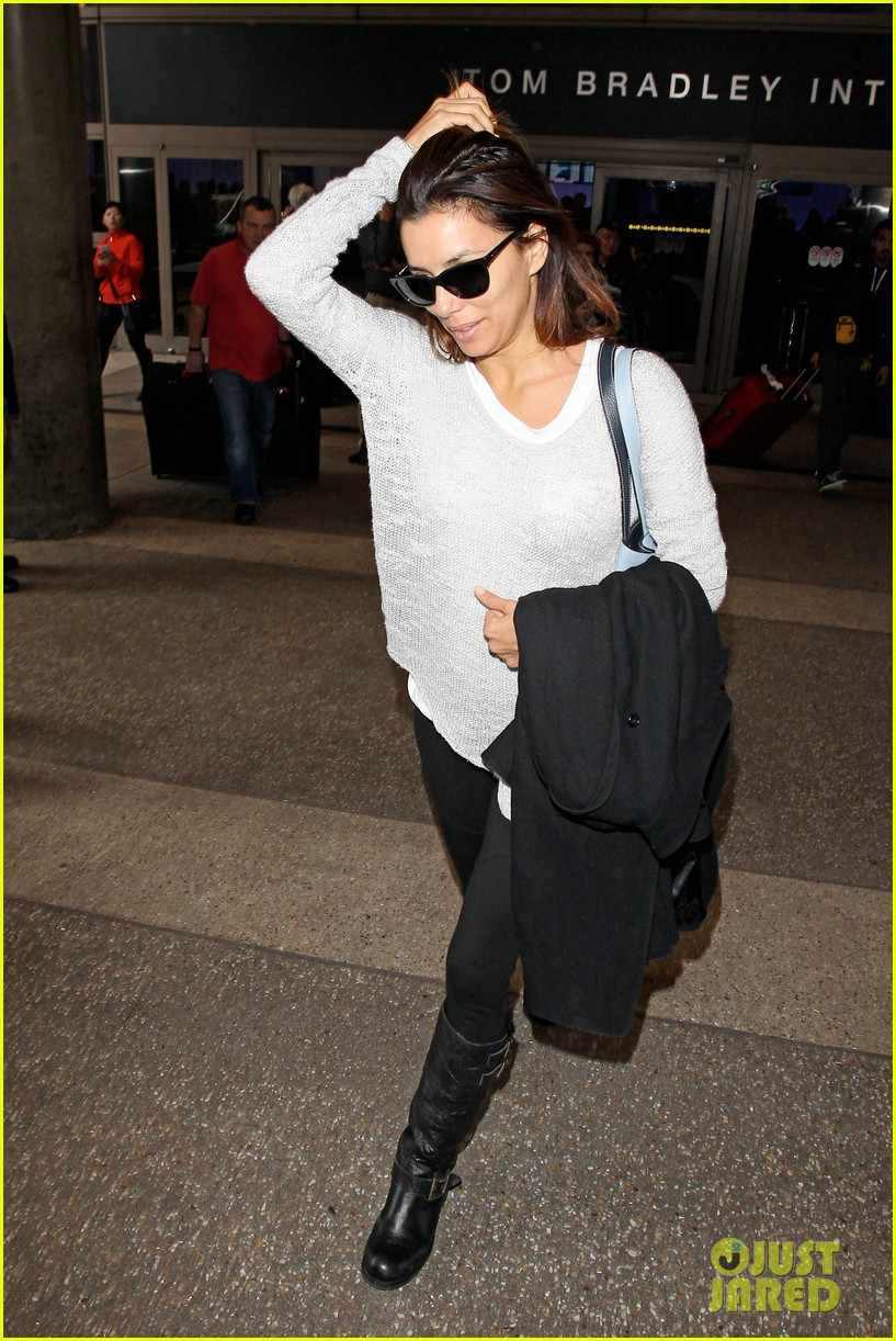 eva longoria back home after quick paris trip 12