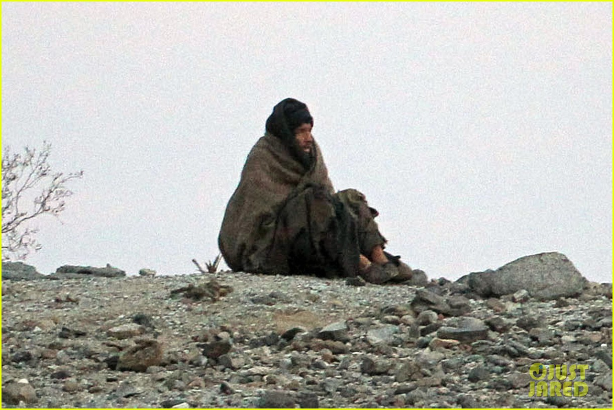 ewan mcgregor last days in the desert first on set pics 043049074